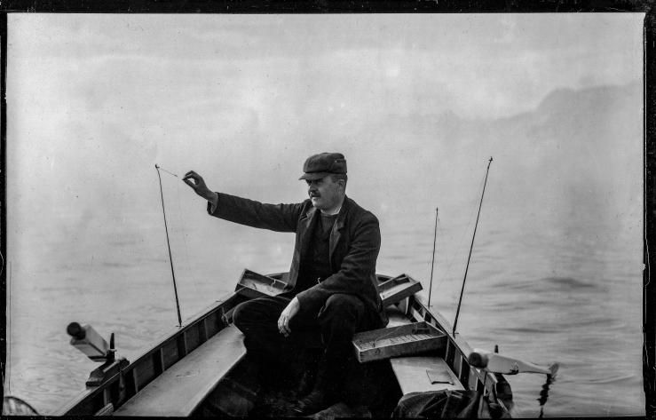 line-fishing-victorian-man-original-albumen-c1900s